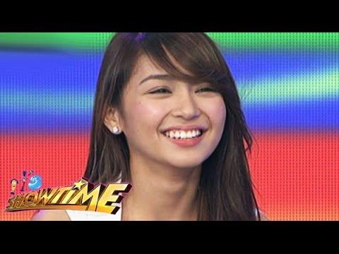 """Kathryn Bernardo, samples """"Pagdating ng Panahon"""" in Showtime"""