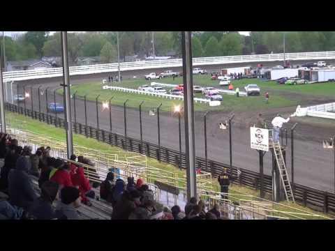 IMCA Sport Compact Heats Southern Iowa Speedway 4/26/17