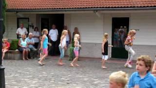All-in Animatie danspret allurepark de krakeling Indianendans