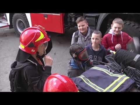 TV7plus: Хмельницькі рятувальники навчали школярів безпеки життєдіяльності та розповідали про свою професію.