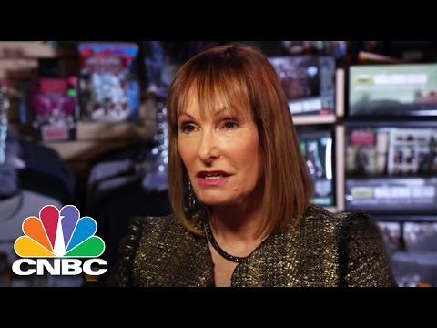 Walking Dead Producer Gale Anne Hurd On The 's Success, VR, Binge Watching Full  BINGE  CNBC