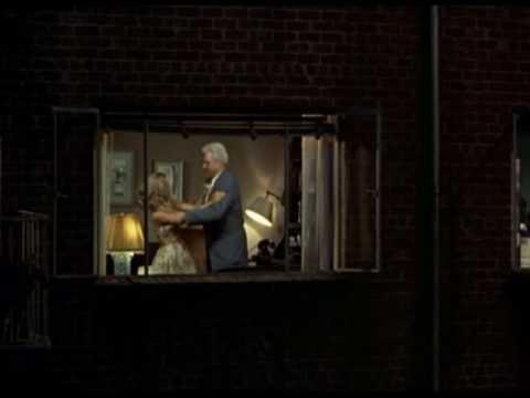 Da la finestra sul cortile a hitchcock 1954 youtube - La finestra sul cortile ...