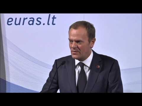 Donald Tusk Praises Lithuania Euro Adoption: Baltic state joined eurozone in New Year 2015