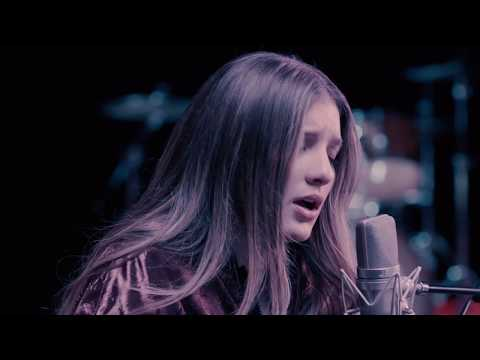 GRACE GAUSTAD- Chasing Cars (Snow Patrol Cover)