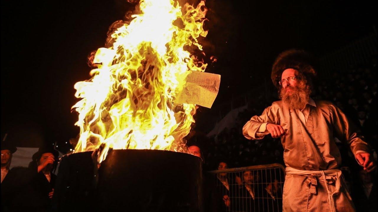 ר' אלימלך בידרמן בהדלקה הגדולה במירון! (צילום: דוד כהן) R' Elimelech Biderman Hadlaka Meron 2019