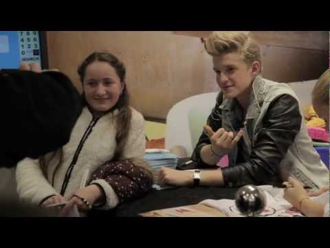 Cody simpson and alli simpson meet and greet at schuh youtube video m4hsunfo
