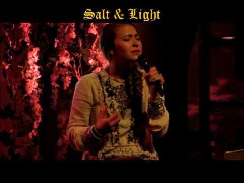 """Lauren Daigle """"Loyal"""", """"Salt & Light"""" & """"How Can It Be"""" (Live)"""