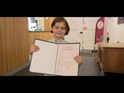 Un niño prodigio belga de 8 años acaba secundaria y empezará la universidad en septiembre