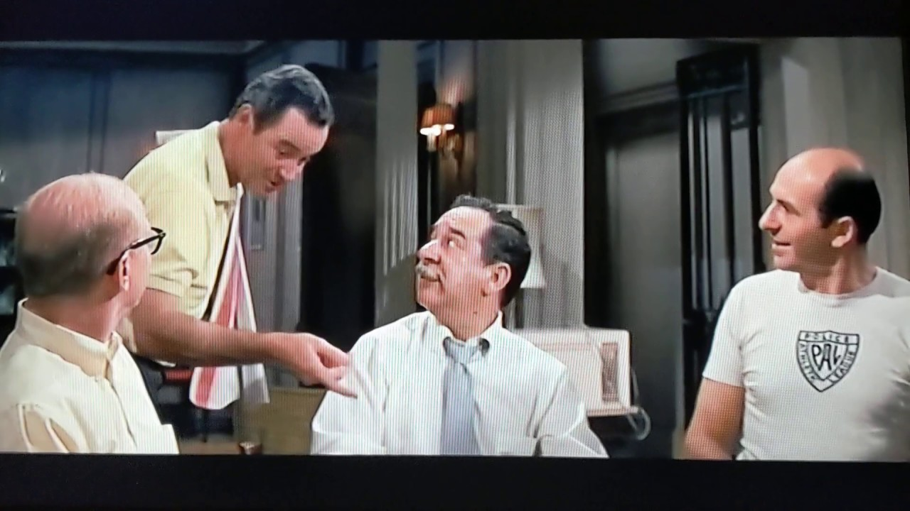 Download The Odd Couple.... Felix Cleans up the Poker night, Classic scene