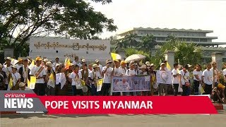 """Myanmar's military chief tells Pope Francis there is """"no religious discrimination"""""""