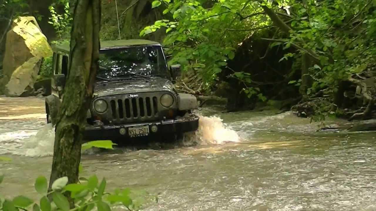 Jeep Wrangler JK Unlimited Off-Roading!