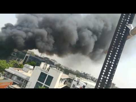 Fire in Noida Sector 11