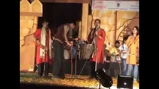 BENGALI FOLK DANCE SONGS..LALGORER LAL MATI.. JHUMUR SONG.. MAHUL LIVE.