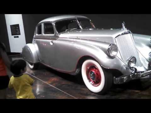 Very Nice Art Deco automobile, 1933 Pierce-Arrow Silver Arrow Sedan