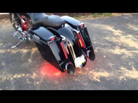 Killer 2006 Harley Street Glide - Boom Cans - Baddad