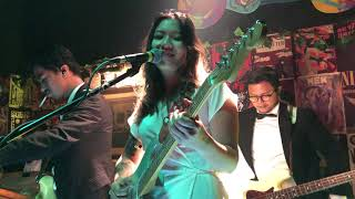 Danilla - Pinky/Thumb (Live at Duck Down Bar, Jakarta 10/11/2019)