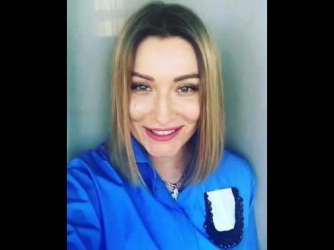 Գարիկ Մարտիրոսյանի կինը շնորհավորել է հայերին, ասմունքել և խոսել «ջան» բառի մասին
