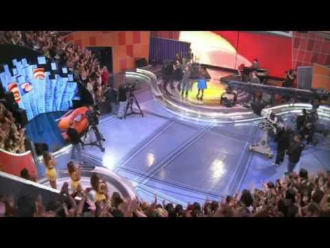 Jesuton canta tema de Morena e Théo em Salve Jorge - Caldeirão do Huck