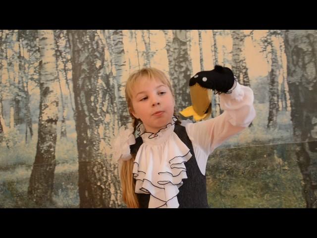 Изображение предпросмотра прочтения – ЛарисаТеплова читает произведение «Ворона и Лисица» И.А.Крылова