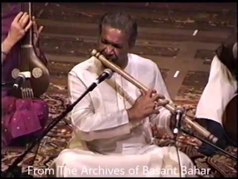 Pandit Hariprasad Chaurasia  Subhankar Banerjee part 1/2 Raag:  Durga