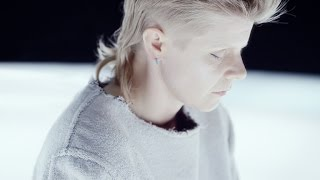 Röyksopp & Robyn 'Monument' (Music Video)