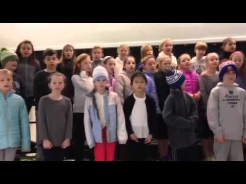 The Ox Ridge Chorus singing a round: Do Re Mi Mi