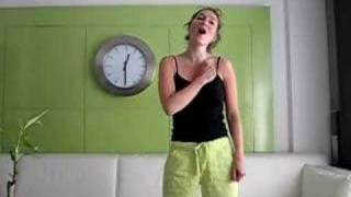 Nicolle singing mijn houten hart