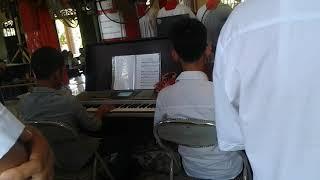 Kinh vinh danh. Piano and strings