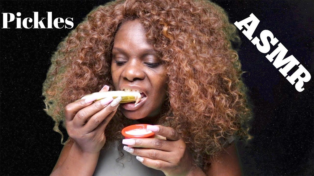 Pickle Asmr Eating Sounds Big Crunchy Crispy Chewy Asmrthechew