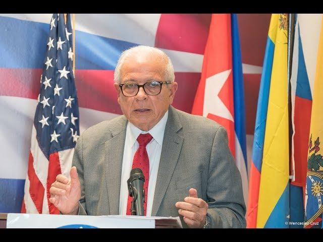 (Completo) Sesión de Honor - Presentación del Presidente del Interamerican Institute for Democracy