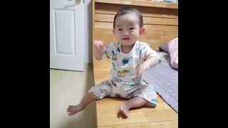 9개월아기. 낮은침대에서내려가기!성공?!