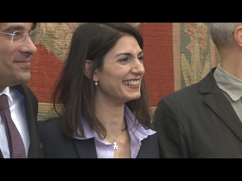 Italie : la maire populiste de Rome, Virginia Raggi, à l