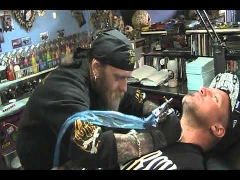 Seth Enslow stops in @ crossbones tattoo Melton Australia