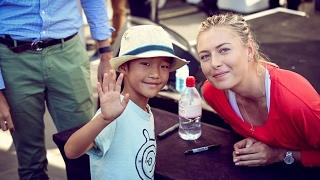 Maria  Sharapova Autograph to Fans