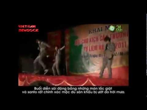 HKT bị ném gạch khi biểu diễn ở HN-music ``Nuoc mat HKT ``!?