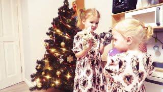 vlog так ли дружны наши девочки? украшаем ёлку - Senya Miro