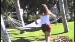 سخافات النساء واحراجاتهم