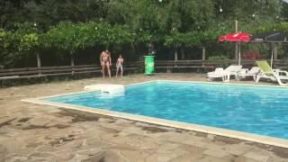 Марті і аз на басейн