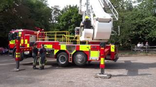 Nottinghamshire Fire & Rescue Service, Fire Engine Crane, Clumber Park, 999 Emergency services day