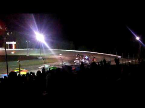 Sportsman Coupes main event At Bear Ridge Speedway