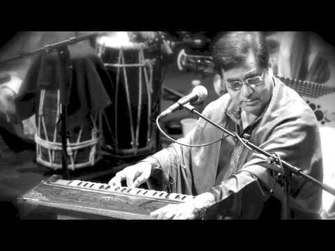Jagjit Singh Live In Concert - Aah Ko Chahiye & Raga Lalit -1999