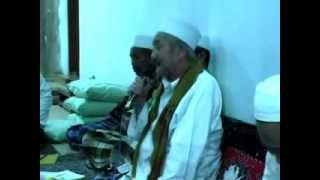 Repeat youtube video KH. A. Sufyan, KHR. M. Kholil As'ad. (Sholawat Nariyah)