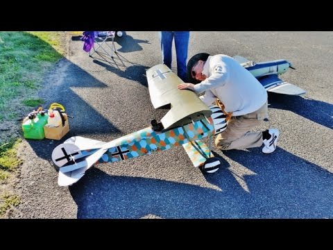 TIBENHAM VINTAGE RC WARBIRDS - BATTLE OF BRITAIN MEMORIAL FLY-IN - 2016