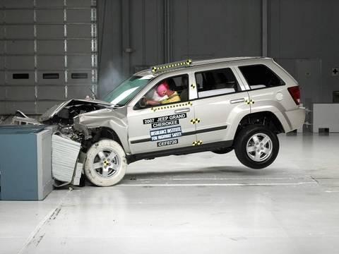 2007 jeep grand cherokee moderate overlap iihs crash test. Black Bedroom Furniture Sets. Home Design Ideas