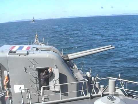 เรือหลวงเจ้าพระยายิงปืน100มม.