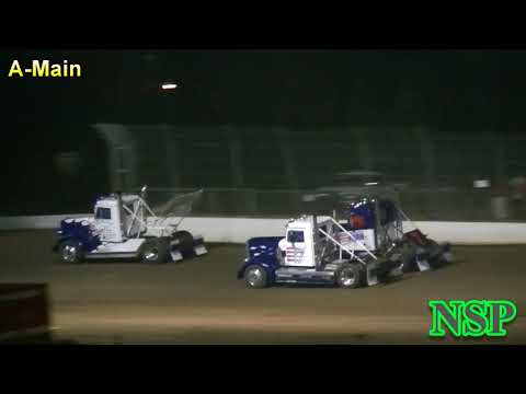 August 19, 2017 Rolling Thunder Big Rigs A-Main Grays Harbor Raceway