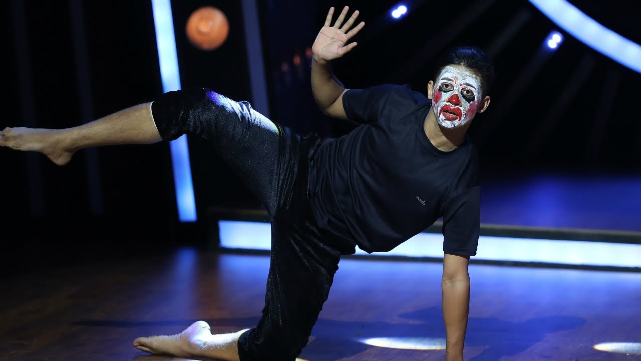 Download D4 Junior Vs Senior I Vyshak's buffoon performance I Mazhavil Manorama