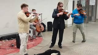 Неожиданно Вивальди в метро Концерт на станции метро Сухаревская