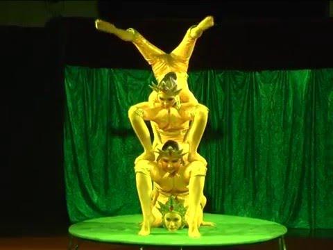 Смотреть Репортаж Вести-Агинское.  Гастроли Бурятского цирка по  Агинскому  Бурятскому округу. онлайн