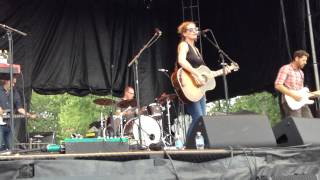 "Kathleen Edwards: ""Asking for Flowers"" (8/29/15, Dundas, Ontario)"